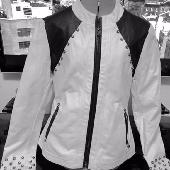 BKE Jackets & Blazers - BKE Outerwear Faux Leather Jacket - Size M